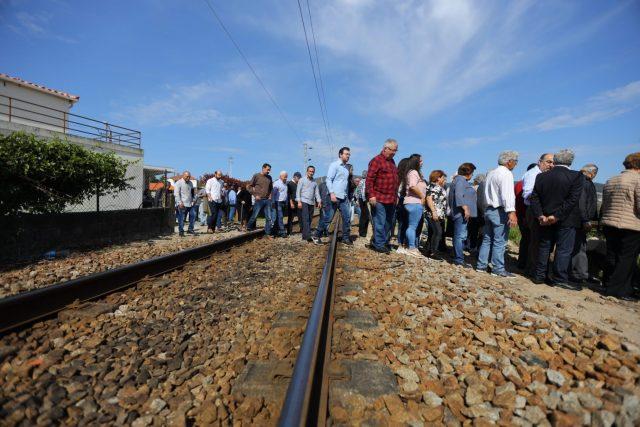 Freguesia da Silva protestou por passagem pedonal sob linha férrea