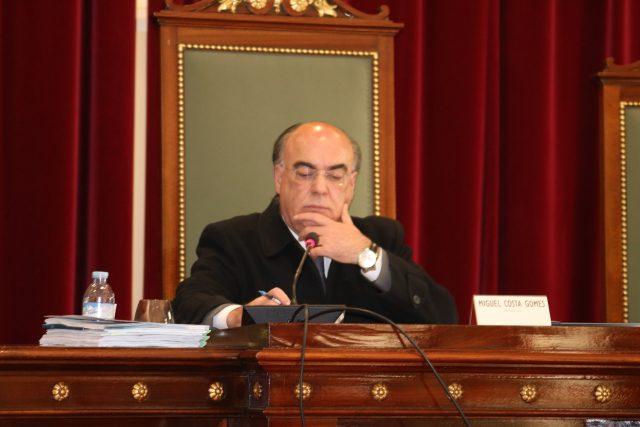 Miguel Costa Gomes entrega requerimento para ser substituído do cargo