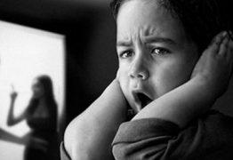 Crianças e jovens assistiram a mais de 84 mil casos de violência doméstica