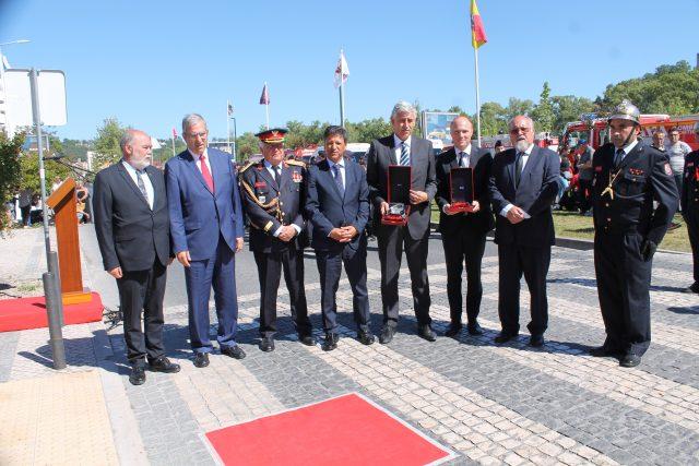 Liga dos Bombeiros homenageou empresa BECRI e Câmara Municipal de Barcelos