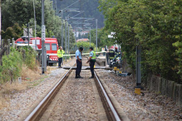 Automóvel não respeitou sinalização em acidente ferroviário com três mortos em Barcelos