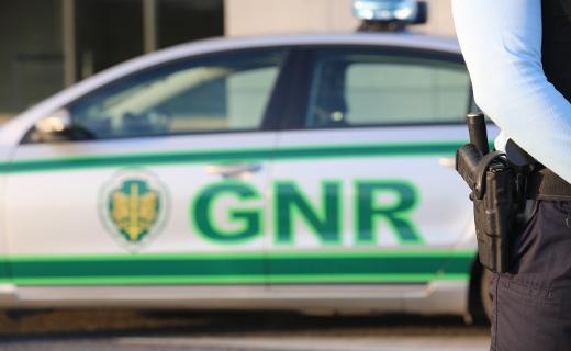 GNR de Barcelos deteve quadrilha que roubava telemóveis da Worten