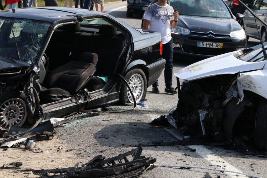 Acidente em Vila Seca faz dois feridos graves e quatro ligeiros
